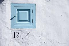 Doce - Dodici - Twelve (Álvarez Bonilla) Tags: málaga familia otoño vacaciones bianco blanco white blue blu azurro azul número number dodici doce twelve