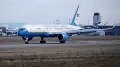 98-0002 (Breitling Jet Team) Tags: us air force boeing vc32a 7572g4 980002 cn 29026787 euroairport bsl mlh basel flughafen