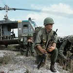 AN KHE 1966 - Men from the 1st Air Cavalry Division (Air Mobile), ready for a