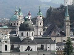 Salzburg - Stadt der Kuppeln und Kirchtürme (Waldrebe) Tags: salzburg österreich kirchen kuppeln