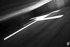 Photographie d'architecture (pierre.insalaco) Tags: architecture lumière ombre couleurs noir blanc hauteur batiment