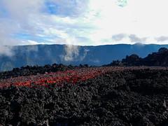 v106 (loïcabadie) Tags: eruption pitondelafournaise laréunion réunion volcan lave
