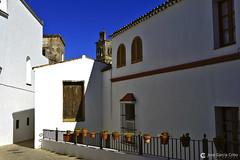 16-05-01 Cádiz (329) Arcos (Nikobo3) Tags: europe europa españa spain cádiz arcosdelafrontera pueblos pueblosblancos arquitectura architecture travel viajes urban nikon nikond800 d800 nikon247028 nikobo joségarcíacobo flickrtravelaward ngc andalucía color azul blue
