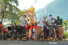 Ngaben Ceremony (Eka Purna Sumeika *PIC*) Tags: ngaben ceremony pitrayadnya tabanan bali budayabali indonesia culture sky travel