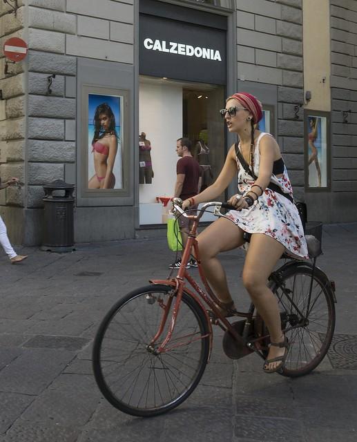 italy woman bike bicycle florence europe italia firenze 2014 calzedonia