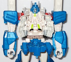 ultra magnus with minimus ambus transformers generations combiner wars leader class hasbro 2015 d chest open head down (tjparkside) Tags: hammer truck robot with transformer alt mini class transformers vehicle leader wars trailer generations shoulder mode ultra magnus con missiles weapons autobot hasbro autobots combined minicon 2015 minimus combiner ambus