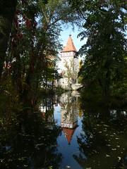 Beinsteiner Tor in Waiblingen (chrissie.007) Tags: tor fluss spiegelung fachwerk stadttor waiblingen rems schwabenland beinsteiner