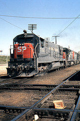 At The X-ing (GRNDMND) Tags: california trains sp colton locomotive ge railroads southernpacific espee emd u28c sd35 coltontower