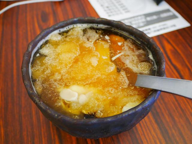 苗栗 竹南–手工的碗配手工的豆花–黑碗豆花