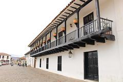 "Balcones de madera en Villa de Leyva • <a style=""font-size:0.8em;"" href=""http://www.flickr.com/photos/78328875@N05/23142494464/"" target=""_blank"">View on Flickr</a>"