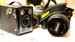 Kontrast/contrast Gammal och ny/Old and new (annesjoberg) Tags: contrast nikon kontrast lådkamera fotosondag fs151206