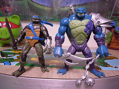 "Nickelodeon ""HISTORY OF TEENAGE MUTANT NINJA TURTLES"" FEATURING LEONARDO -  'TMNT : FAST FORWARD'  LEONARDO vii / ..with DARK LEO '06  (( 2015 )) (tOkKa) Tags: 2005 toys comic 1988 2006 1993 clones 1992 leonardo figures toysrus 2012 2007 teenagemutantninjaturtles tmnt nickelodeon 2014 2015 displaystand shokanabo playmatestoys ninjaturtlesthenextmutation toysrusexclusive tmntfastforward darkleo darkclones toontmnt tmntmovie4 turtlemilkstudios eastmanandlairdsteenagemutantninjaturtles moviestartmnt varnerstudios toonleo paramountteenagemutantninjaturtles 4kidstmnt paramountsteenagemutantninjaturtles tmnt2003 historyofteenagemutantninjaturtlesfeaturingleonardo davearshawsky tmnt2014movie"