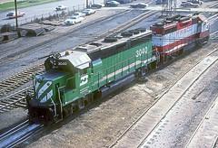 BN GP40-2 3040 (Chuck Zeiler) Tags: bn gp402 3040 railroad emd locomotive cicero chz