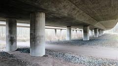 pilarit (neppanen) Tags: sampen discounterintelligence helsinginkilometritehdas helsinki suomi finland päivä95 reitti95 päiväno95 reittino95 junarata silta bridge railway