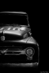 Iconic  F100 (JP Defay) Tags: pickup ford f100 noiretblanc american car noir monochrome voiture véhicule blackandwhite lowkey