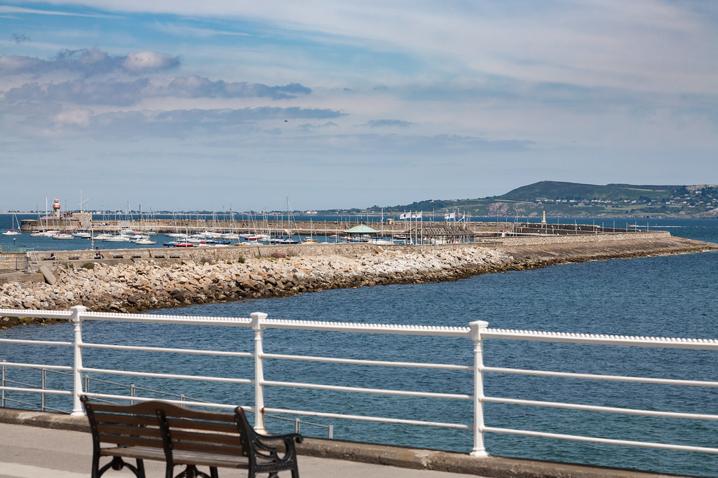 DUN LAOGHAIRE TOWN AND HARBOUR [TEN YEARS AGO]-124905