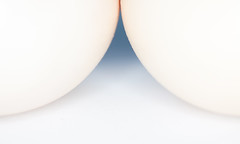 3032 (saul gm) Tags: egg eggs macro mnml minimal minimalist minimalista minimalism simplicity abstraction curve line huevo huevos studio œuf œufs uovo uova pastel erotic erotism art softtones soft