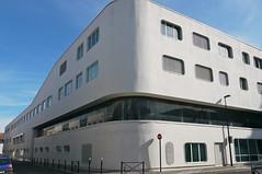 """Bordeaux, Gironde: collège Aliénor d'Aquitaine (pas que beau), ouvert en septembre 2011, architectes Éric Limouzin et Philippe Baudin. En pensant à """"mon"""" Aliénor! (Marie-Hélène Cingal) Tags: france 33 bordeaux sudouest aquitaine gironde"""