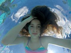 GOPR8194 (Mercedesdiaz) Tags: water girl sport swimming outside kid agua underwater bajo piscina nia swimmingpool nadar deporte pileta natacion swimm airelibre submarino bajoelagua