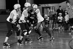 skulls_vs_scars_L1063511 1 (nocklebeast) Tags: ca usa santacruz rollerderby rollergirls skates sugarskulls groms juniorderby bumperscars santacruzderbygroms
