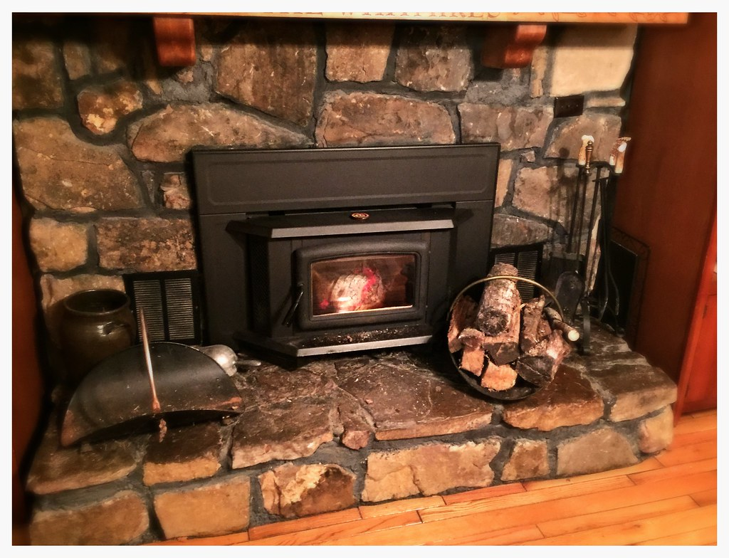 Pacific Energy Super Wood Stove Insert. Apison, Tn.
