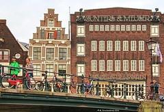 Gunters & Meuser at the Prinsengracht, Amsterdam (PhotosToArtByMike) Tags: prinsengracht canal guntersmeuser jordaan amsterdam canalring canalhouse grachtengordel netherlands bikes bicycles dutch holland dutchgoldenage