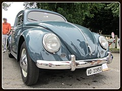 VW Beetle, 1953-57 (v8dub) Tags: vw beetle 1953 57 ovale ovali oval volkswagen fusca maggiolino käfer kever bug bubbla cox coccinelle schweiz suisse switzerland fribourg freiburg german pkw voiture car wagen worldcars auto automobile automotive aircooled old oldtimer oldcar klassik classic collector