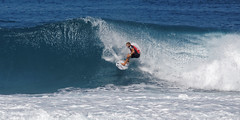 _N7A1858_DxO (dcstep) Tags: volcompipepro worldsurfleague bonzaipipeline bonsaipipeline northshore oahu hawaii canon5dmkiv ef500mmf4lisii ef14xtciii handheld allrightsreserved copyright2017davidcstephens surfing contest tournament ocean waves pipeline barrel copyrightregistered04222017 ecocase14949772801