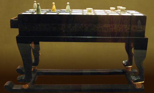 "Senet - Lujoso sistema de objetos lúdicos obsequio del dios Toht a la faraona Nefertari • <a style=""font-size:0.8em;"" href=""http://www.flickr.com/photos/30735181@N00/32521949175/"" target=""_blank"">View on Flickr</a>"