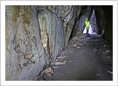 Felszeichnungen in der Vehmhöhle