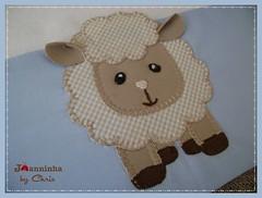 fralda ombro (Joanninha by Chris) Tags: feitoamao handmade ovelhinha enxovalmenino fraldaombro azul bege bordado artesanato