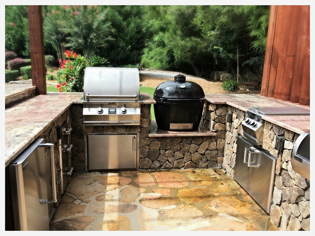 Custom Outdoor Kitchen, Tifftonia, Tn.