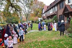 Trick-Or-Treating (Joe Shlabotnik) Tags: halloween trickortreat madeleine sarahp 2015 afsdxvrzoomnikkor18105mmf3556ged october2015