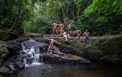 Friends at waterfall. (felipepfaria) Tags: friends amigos water brasil riodejaneiro waterfall cachoeira cachoeiradomendanha sony16mm28 sonya6000 felipepfaria