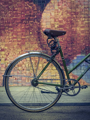 Urban colors (David Cucaln) Tags: barcelona city urban colors bicycle vintage colours highcontrast ciudad bicicleta colores retro 2015 altocontraste cucalon davidcucalon