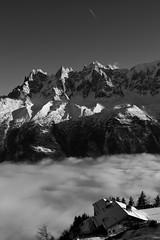 Les Aiguilles de Chamonix N&B B&W (CHAM BT) Tags: aiguille brouillard neige montagne chalet avion vallee ombre soleil hiver needle fog snow mountain airplane valley shade sun winter chamonix france