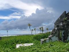 Falealupo (Savai'i) Samoa, Südsee - durch eine Hurrikan 1990 zerstörte Kirche auf der Halbinsel Falealupo / Destroyed church by a hurricane in 1990 on the peninsula Falealupo (cd.berlin) Tags: samoa 2009 wst ws pazifik pacific tropen südsee apw samoan islands insel polynesian polynesien savaii falealupo kirche zerstörtekirche church destroyedchurch hurrikan hurricane palmen palmtrees zerstörtesgebäude destroyedbuilding wolken clouds meer ocean cdberlin roundislandtrip inselrundfahrt traumziel dreamdestination holiday worldtraveler traveler travel nofilter traveljunkie instagram