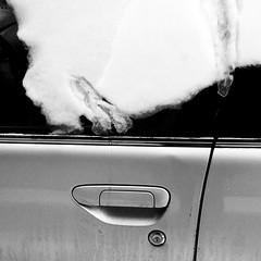 La froideur n'est pas ma tasse de thé... (woltarise) Tags: glace neige voiture montréal hiver