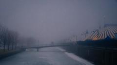 cirque (cébé céline) Tags: hiver cirquedusoleil brouillard portdemontréal vieuxport quai pont virage