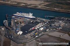 Fähre im Hafen bei Loon-Plage - IMG_58984