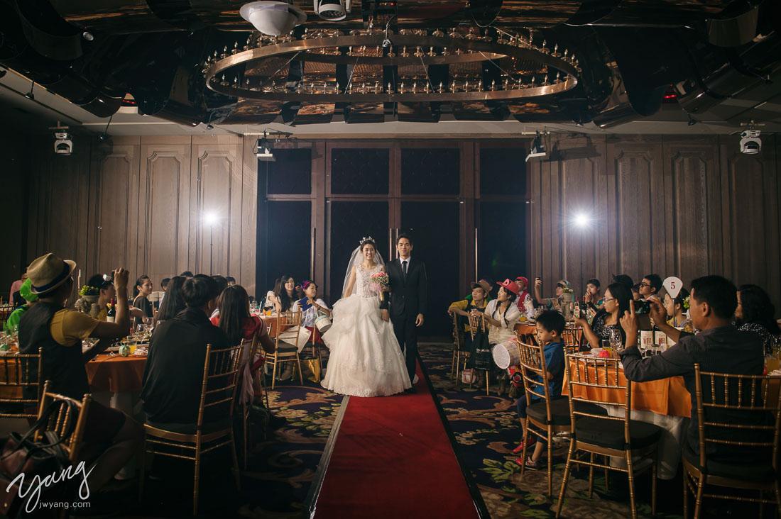 婚禮攝影,婚攝,新莊頤品,婚攝Yang,童話風婚禮,紙風車劇團,變裝趴,變裝婚禮,cosplay,玩具總動員,胡迪,巴斯光年,翠絲,無臉男,神影少女,蝙蝠俠,羅賓,魯夫,海賊王,超級瑪利,小美人魚,烏蘇拉,小當家,中華一番,貓女,特級廚師,月光仙子,美少女戰士,皮克斯,小飛俠,大雄,多拉A夢,小木偶,金剛狼,貝兒,紙風車,小紅帽,阿拉丁公主
