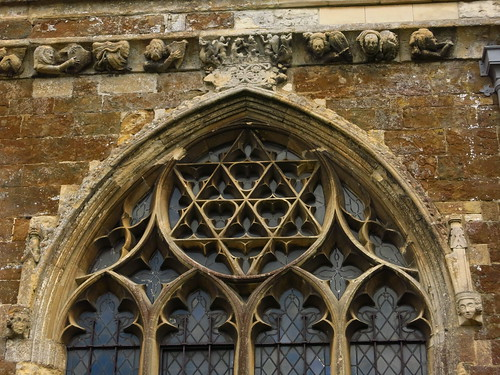 Star of David tracery