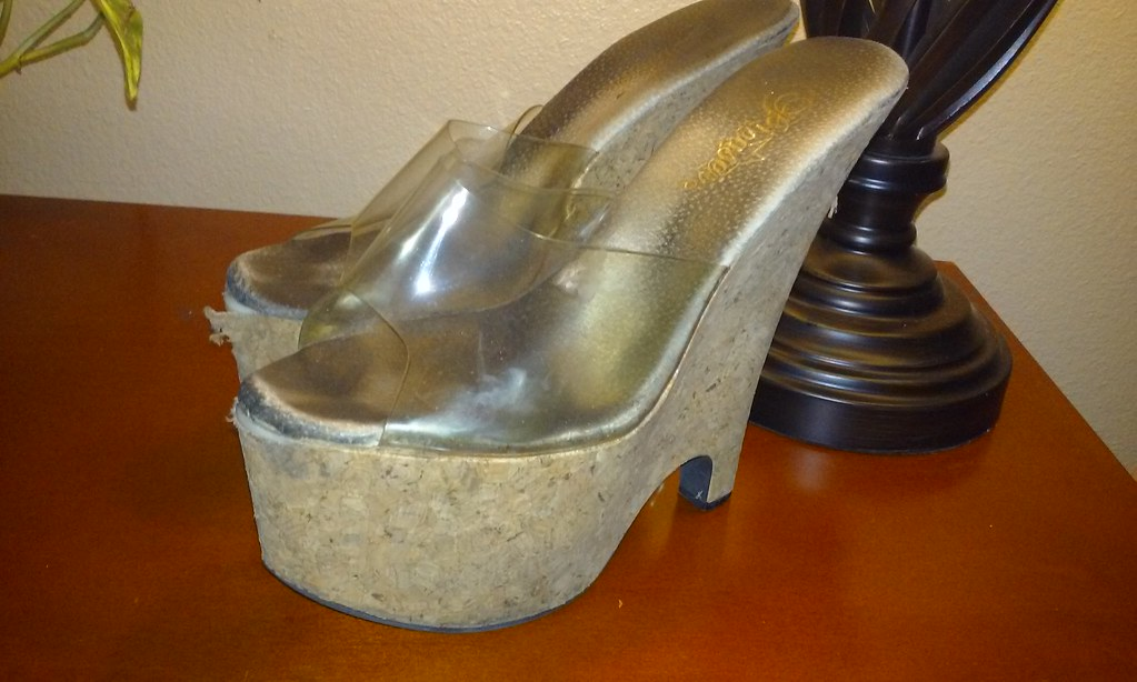Well worn womens shoe fetish