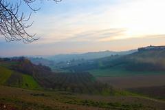 Le colline del Monferrato al tramonto (g.bardella) Tags: sunset italy landscape italia tramonto hill piemonte inverno atmosfera paesaggio colline romantica monferrato moncalvo