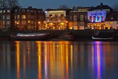 L'angolo che amo / The corner I love (Hammersmith, London, United Kingdom) (AndreaPucci) Tags: uk london thames riverside hammersmith blueanchor slidingdoors canonef24105mmf4lis canoneos60 andreapucci