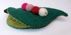 Funda pendrive (El Gato sobre el Tejado) Tags: felt caterpillar worm gusano oruga fieltro pendrivecase fundapendrive