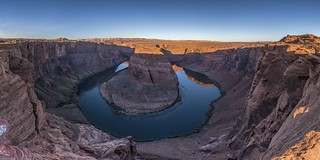 *Horseshoe Bend @ sunrise panorama*