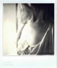She haunts me in my dreams (l'imagerie poétique) Tags: limageriepoétique poeticimagery polaroid sx70 polavoid softness douceur flou blur film impossibleproject scannedwithepsonxp630 argentique analog notreatment pasdetraitement cestdufilm