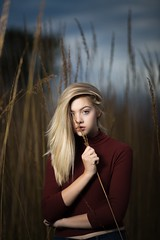 (m1_digital) Tags: clouds blue sky tallgrass rural suburbs photographer photograph gorgeous beautiful female girl blonde blond model chicago 135mmf2l 5diii canon joelgrimes beautydish westcott xplor600 ad600 flashpoint godox 600w monolight strobe flash hispeedsync hss