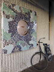 Shards bring happiness by Hans van Bentem at railwaystation Groningen Noord (Alta alatis patent) Tags: art groningen moon bike shards happiness hansvanbentem